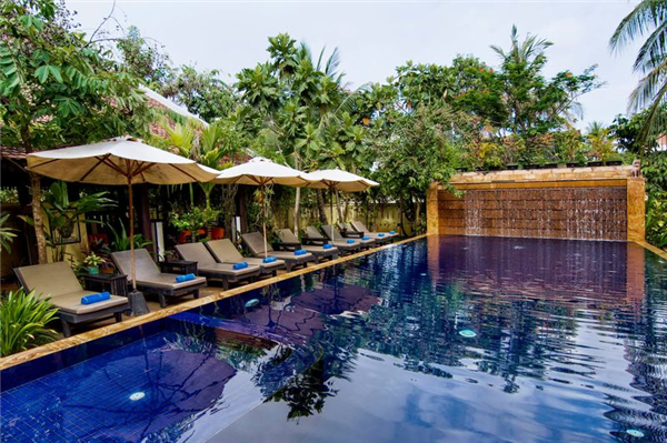 Located Midway Between The Center Of Siem Reap And Angkor Temples In A Quiet Green Area Siddhartha Hotel Warmly Welcomes Guests An Intimate