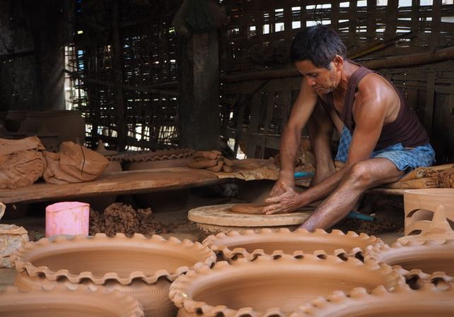 Ancient Lao Pottery Making