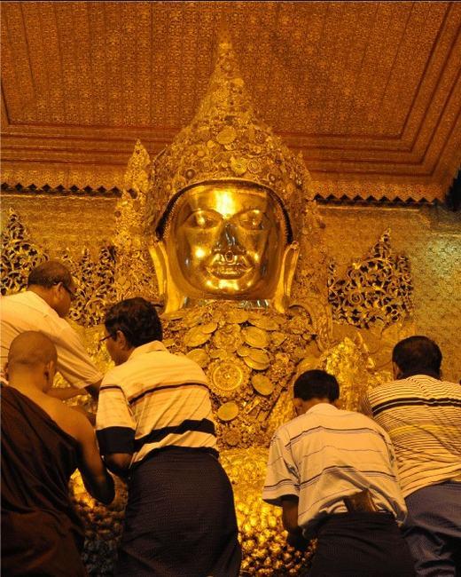 Mahamuni Pagoda Festival