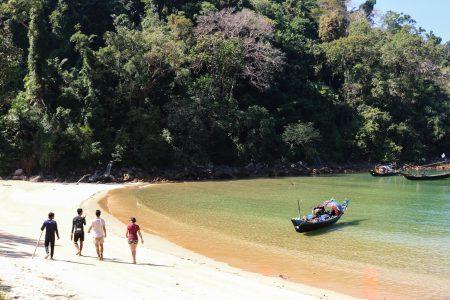 MYANMAR – Dawei – Moscos Island Snorkeling Trip