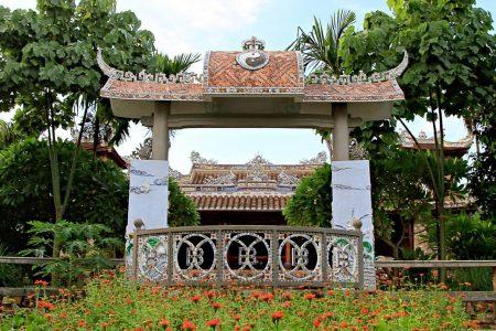 VIETNAM – Hue – Discover The Ben Xuan Garden House Theatre