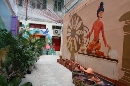 MYANMAR – Yangon – Explore Yangon Alley Gardens