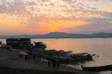 MYANMAR – Bagan – Sunset Cocktail Cruise on the Irrawaddy