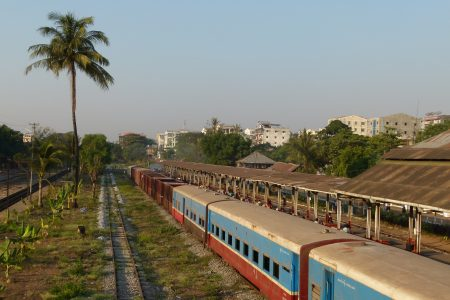 MYANMAR – Yangon – Circular Train Adventure