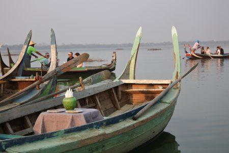 MYANMAR – Mandalay – Sunset Cocktail Boat at U Bein Bridge